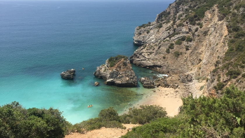 Sesimbra | Praia Ribeira do Cavalo e a miúda do sol
