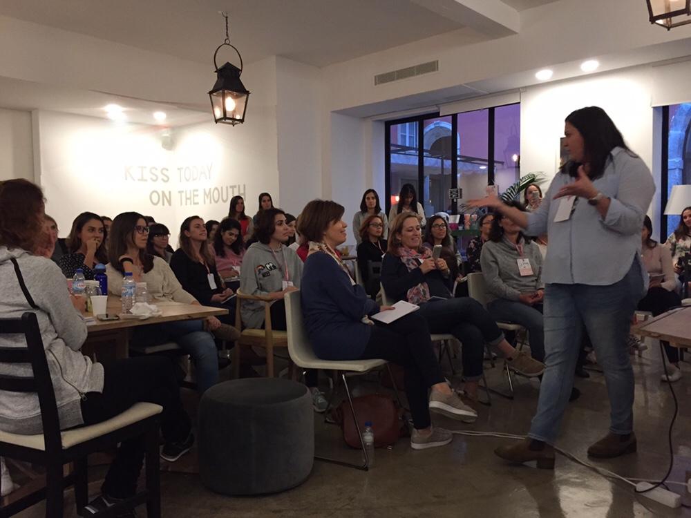 Sofia Castro Fernandes do Às nove no meu Blog no evento Blogging for a cause