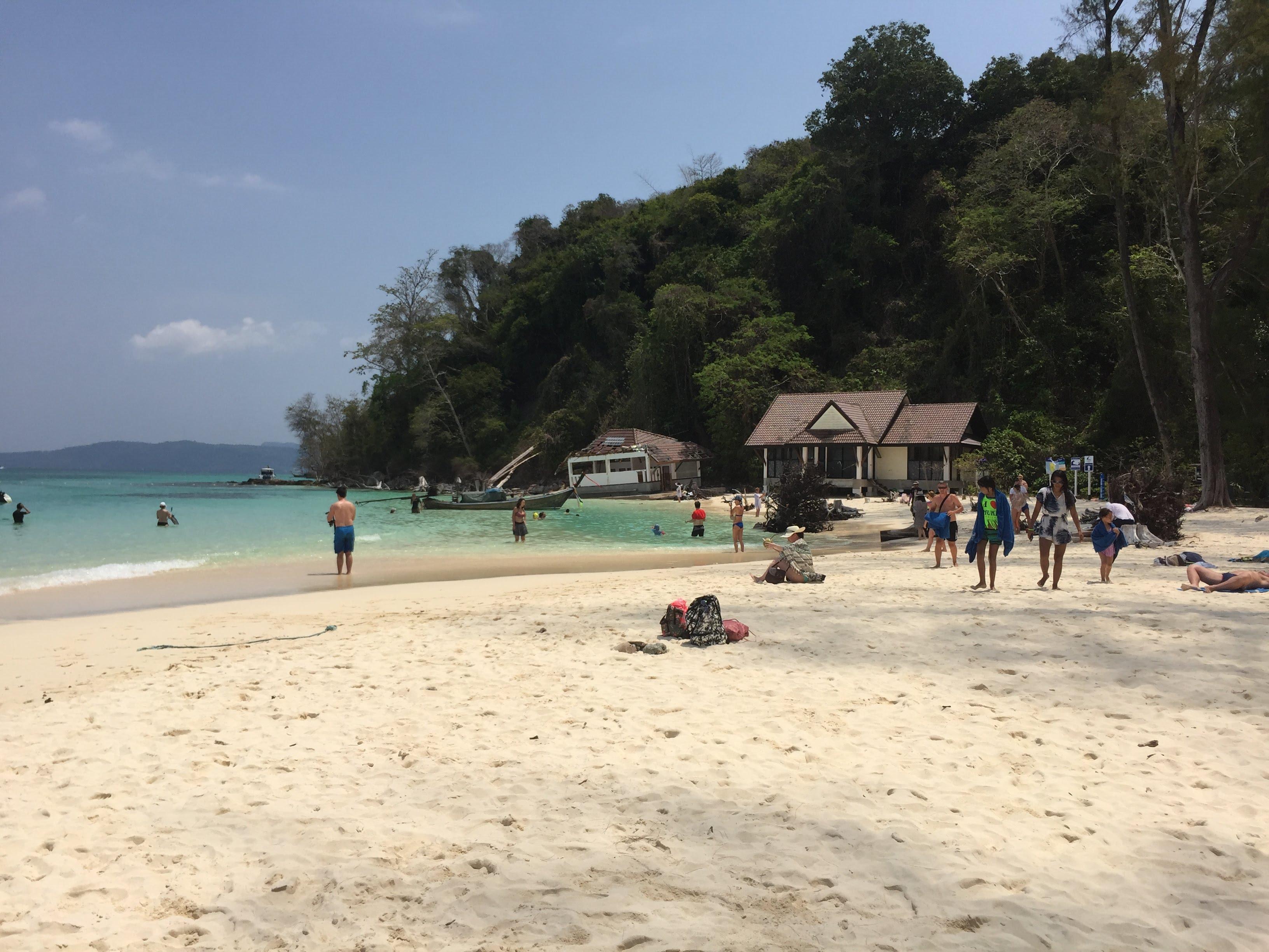 phi phi bambo beach